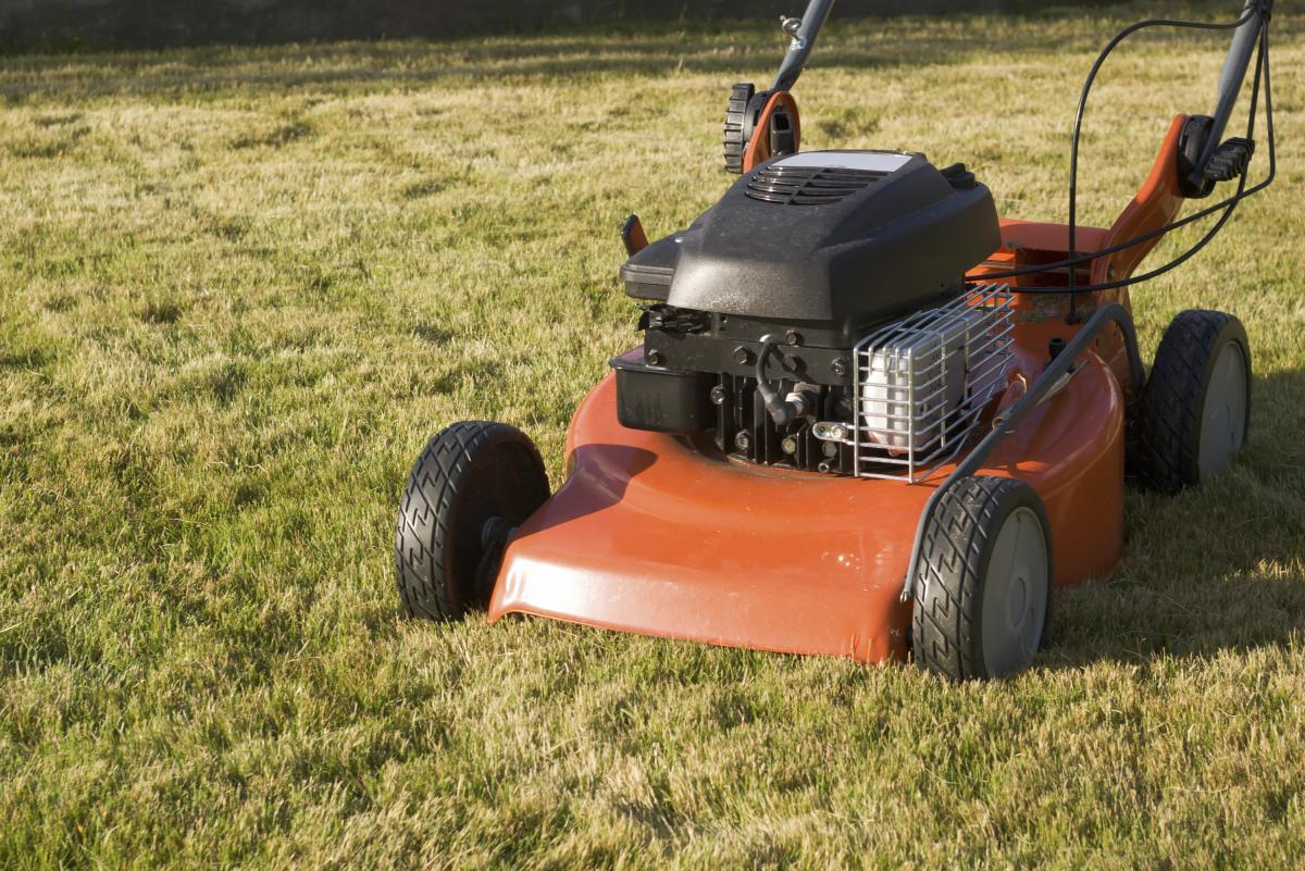 Fall lawn-mowing tips